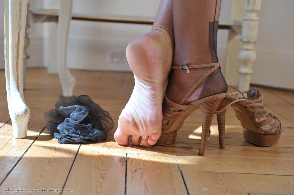 Grey Pantyhose Stocking Toes 27